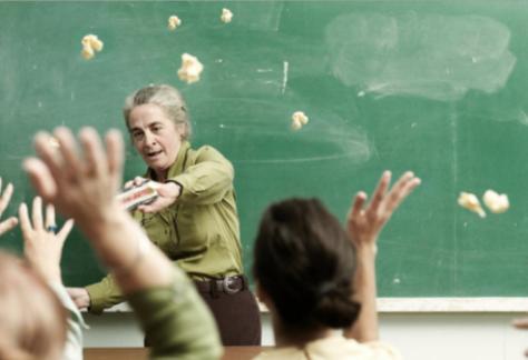 На Хмельниччині школяра судили за булінг вчителя. Адвокат про те, як відрізнити дитячі розбірки від булінгу