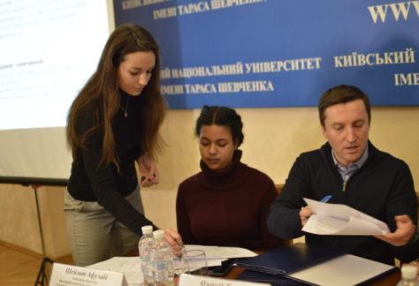 Фундація підтримає проект, що вирішить проблему практики для студентів юридичних факультетів